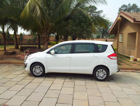 taxi hire in lalkuan
